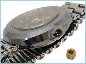 破損した腕時計